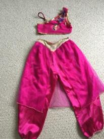 Girls Aladdin outfit