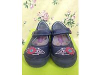 Girls' shoes, size 7.5 / 25, Hush Puppies