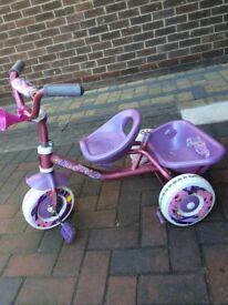 Girls trike excellent condition