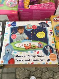In the night garden musical ninky nonk train set