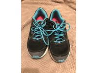 Running trainers shoes size 7