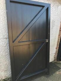 Premium gate door