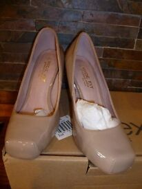 NEXT- Ladies Nude Patent Court Shoes Size 4 - Very Good Condition