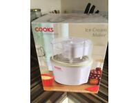 Cooks professional ice cream maker