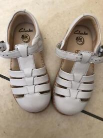 Clarks infant shoe/sandal size 8.5 F