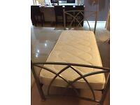 Metal single bed