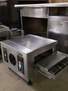 CONVEYOR PIZZA OVEN USED