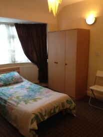 Large Double room available to rent at WEST HARROW-