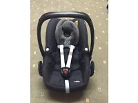 Maxi-cosi pebble car seat- black cystal isofix compatible £85