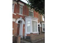 Large, 4 bedroomed property to let near Kettering Town Centre/Train Station