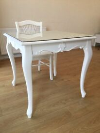 Home clearance-Soft white table