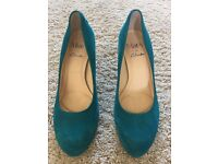 Blue suede court shoe size 4 Clarks (Mary)