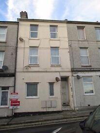1 bedroom flat in Keyham, Station Road