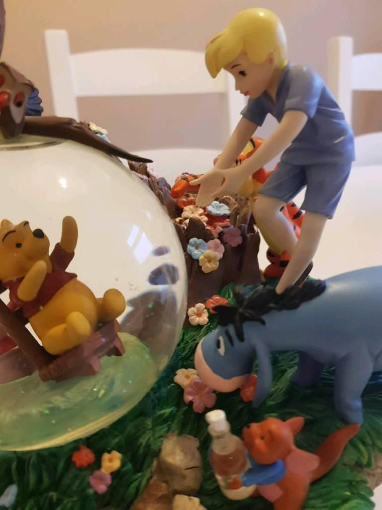 Winnie the Pooh ornament set.
