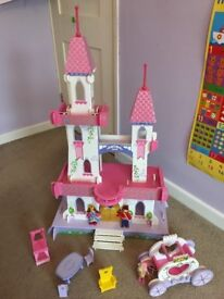 ELC Rosebud Wooden Fairytale Palace and Horse/Carriage set
