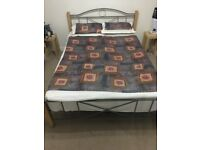 Silent Night Miracoil Peppermint Double Mattress in Good Condition