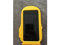 Ipod touch 4th generation 16gb (with minon case)