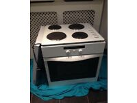 Whirlpool electric oven hob and extractor fan