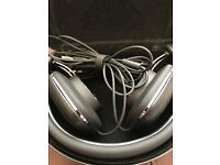Bowers and Wilkins P3 series 2 headphones black