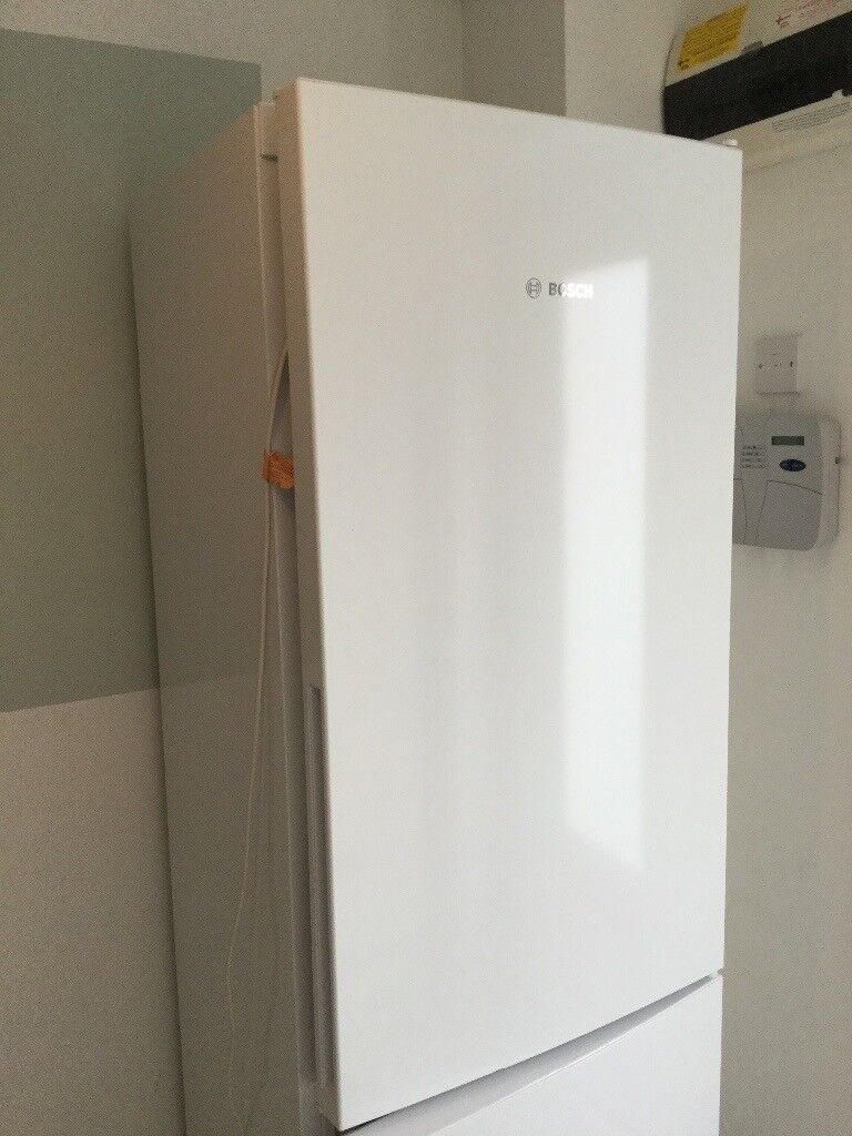 Bosch Fridge Freezer (Frost Free). Used but in very good condition. KGN36VW31G