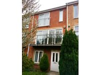 HULME - double room in fantastic 3-storey town house close to the city!