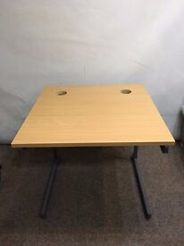 Classic Plus 800mm straight cantilever desk/Table in beech-effect