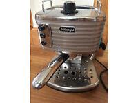 DeLonghi ECZ351.W Scultura Traditional Pump Espresso Coffee Machine, 1100W