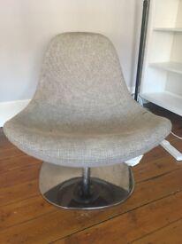 Tub chair. Swivels