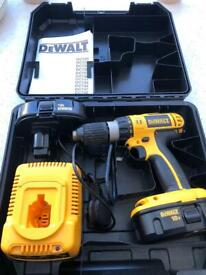 Dewalt DC725 DRILL BODY/CASE and CHARGER ONLY - 2 BATTERIES DO NOT WORK