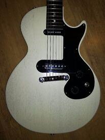 Gibson Melody Maker Worn White. Trades.