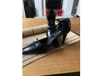 Black pointed toe Court Shoe Size 4