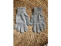 Woman's Light Grey Gloves H&M