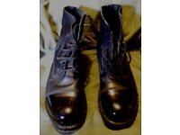 Ex-Royal Marines ammo boots-bulled toe caps -size 9M-slight wear to metalwork on soles