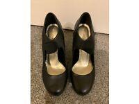 Roberto Vianni leather black court heels with elastic strap, 9cm heel, size 38