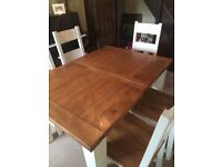 Oak Extendable Dining Table & Six Chairs