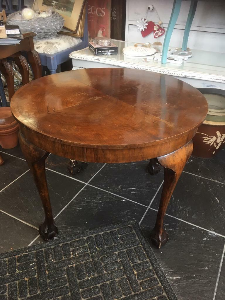 Lovely Vintage Round Coffee Table Ball Claw Feet Can Deliver