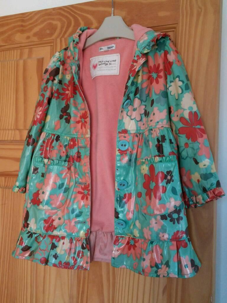 M&S raincoat size 3-4 years