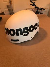 Mongoose bike/board helmet size 56-59cm great condition