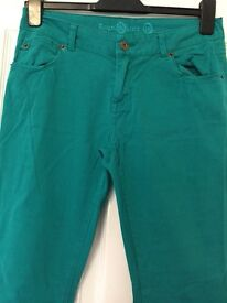 Green straight leg skinny trousers size 10