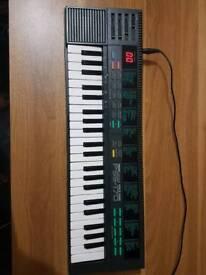 YAMAHA PIANO PSS-170 KEYBOARD