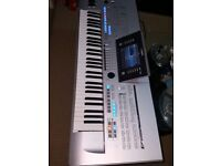 yamaha tyros 4 arranger Keyboard ( no speakers included)