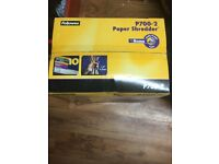 P700 - 2 PAPER SHREDDER FELLOWES