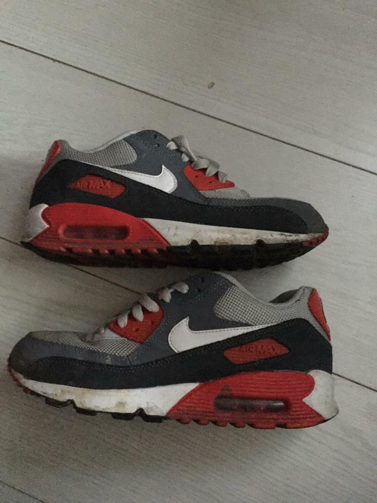 Nike air maxin Stoke on Trent, StaffordshireGumtree - Nike air max 90 size 5.5 just need a clean thats all in good condition