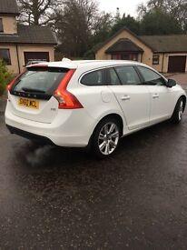 Volvo v60 d5 se lux auto