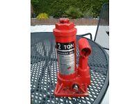 Bottle jack, hydraulic, 2 ton
