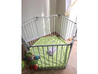 Baby park safety gate