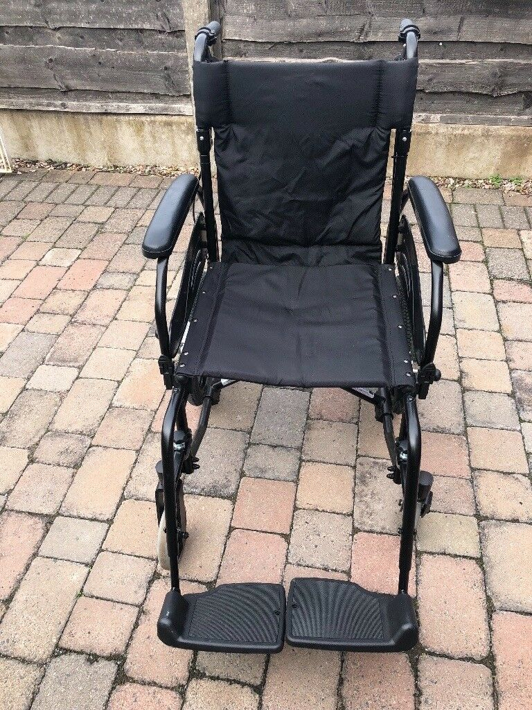 Wheelchair Good Condition Removable Foot Plates And
