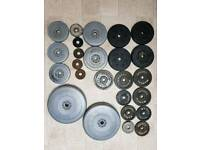 39kg plastic and 19kg metal plates
