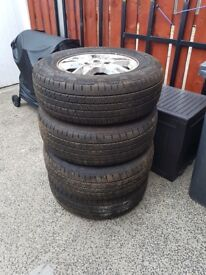 17 Inch Land Rover Alloys with Continental Tyres