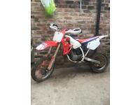 Honda cr 80 NEEDS LITTLE BIT WORK